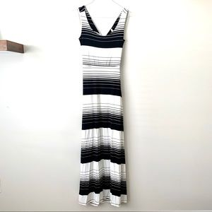 NWT GILLI Coming Up For Air Striped Maxi Dress L